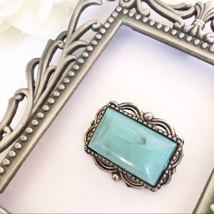 Jewelry - Silver Tone Turquoise Brooch